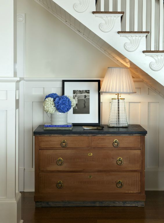Use of space under new stair nook